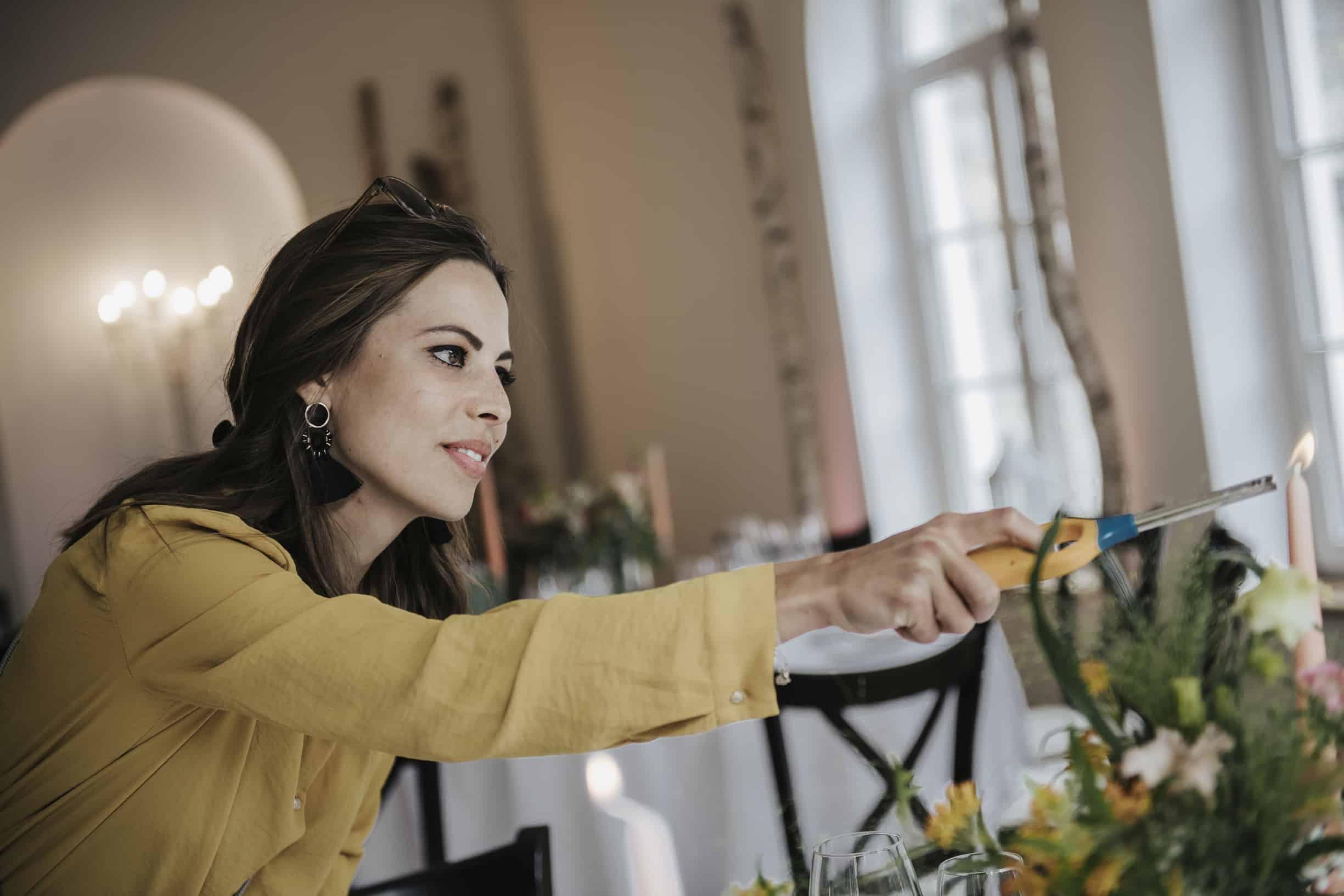Hochzeitsplanerin übernimmt diverse Organisations- und Koordinationstätigkeiten am Hochzeitstag damit alles perfekt ist; Weddingplanner pure passoion weddings by Anna Walch